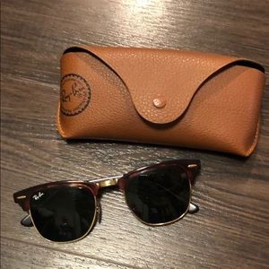 Ray-Ban sunglasses and original leather case